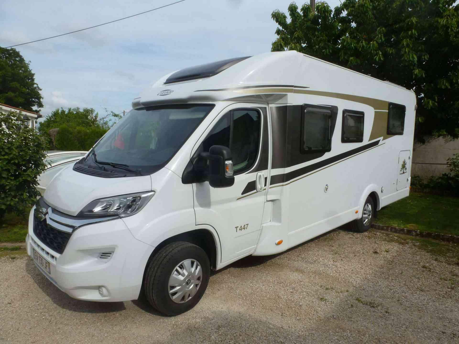 camping-car CARADO T 447