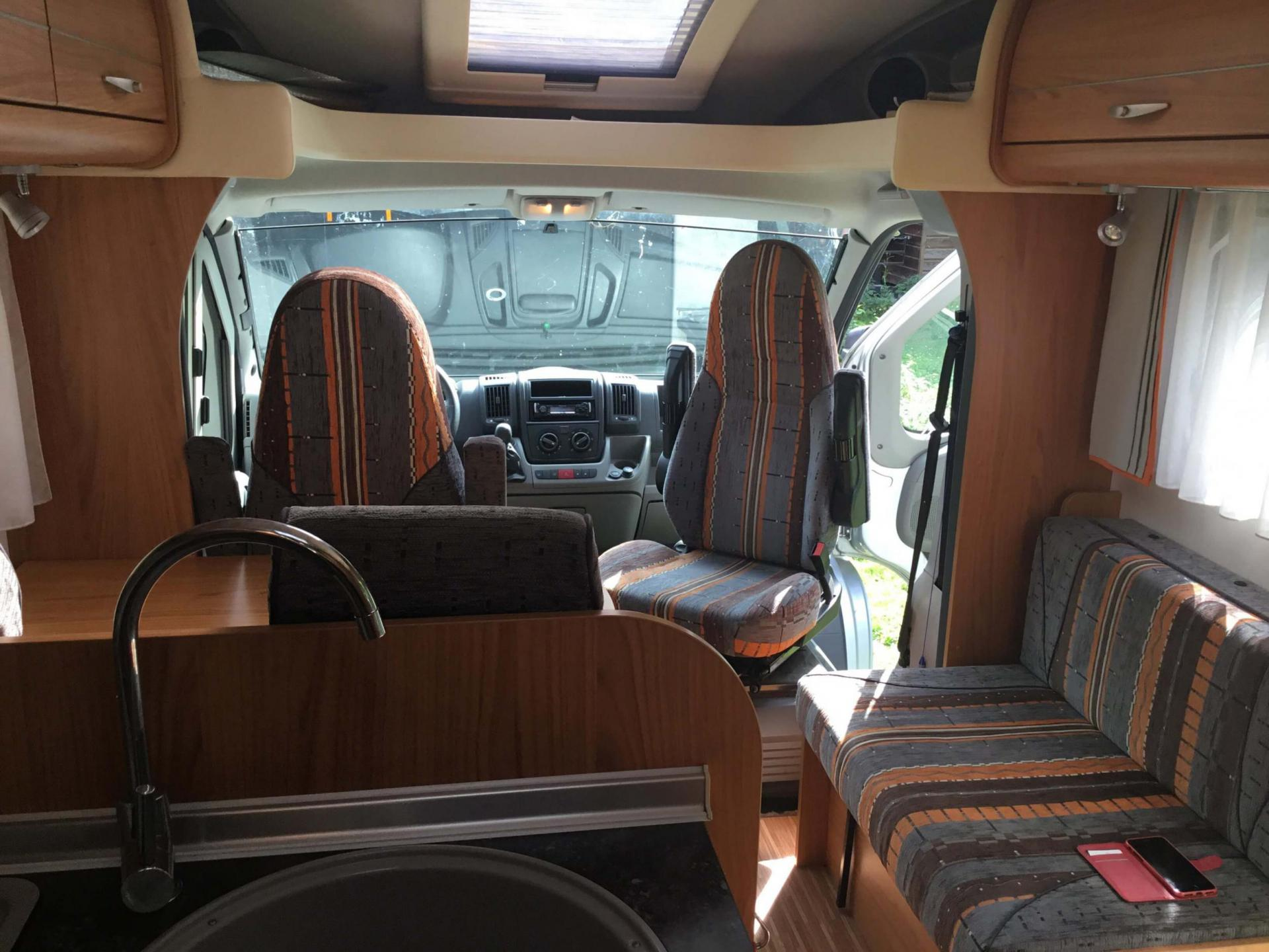 camping-car BURSTNER T 695