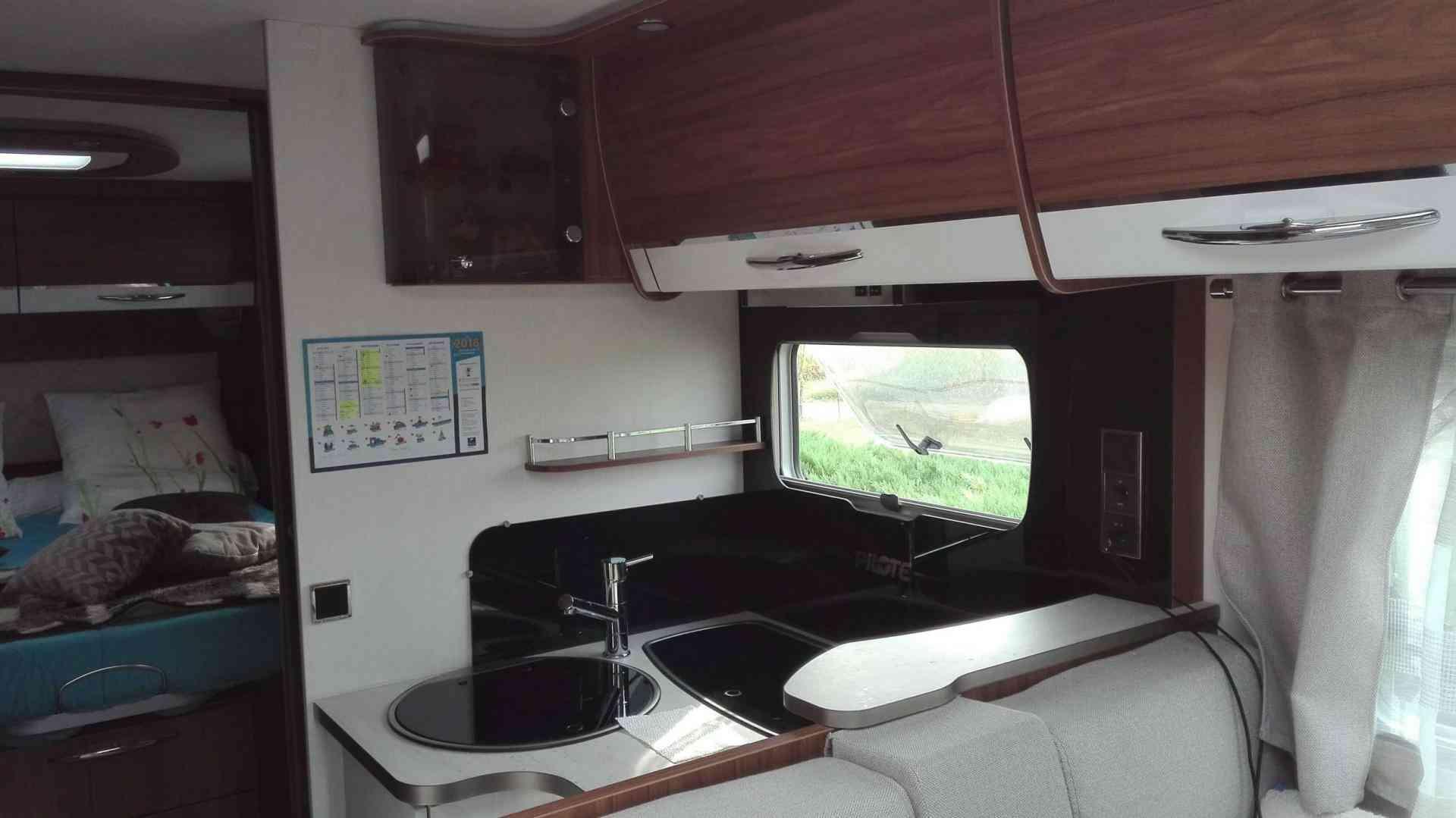 camping-car  PILOTE 740 C
