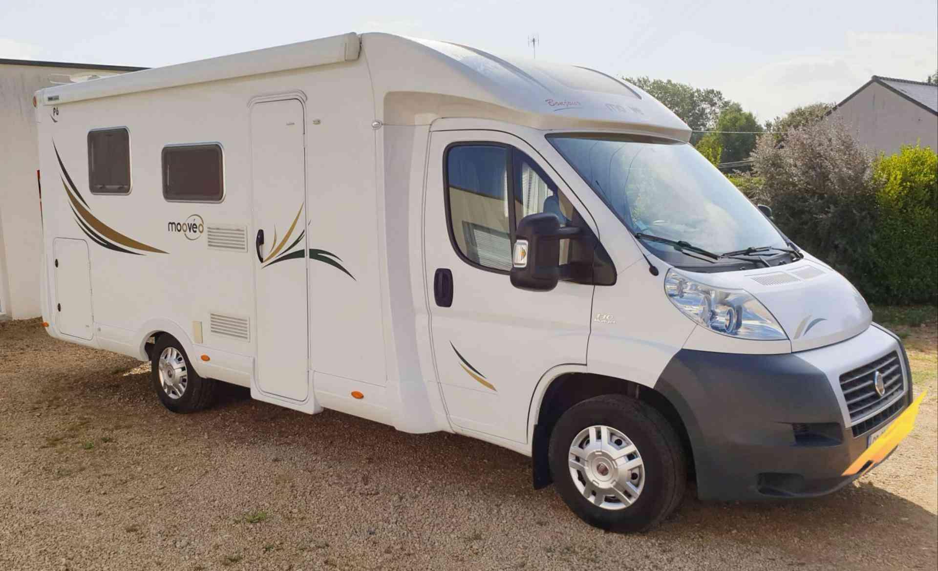 camping-car MOOVEO  P6