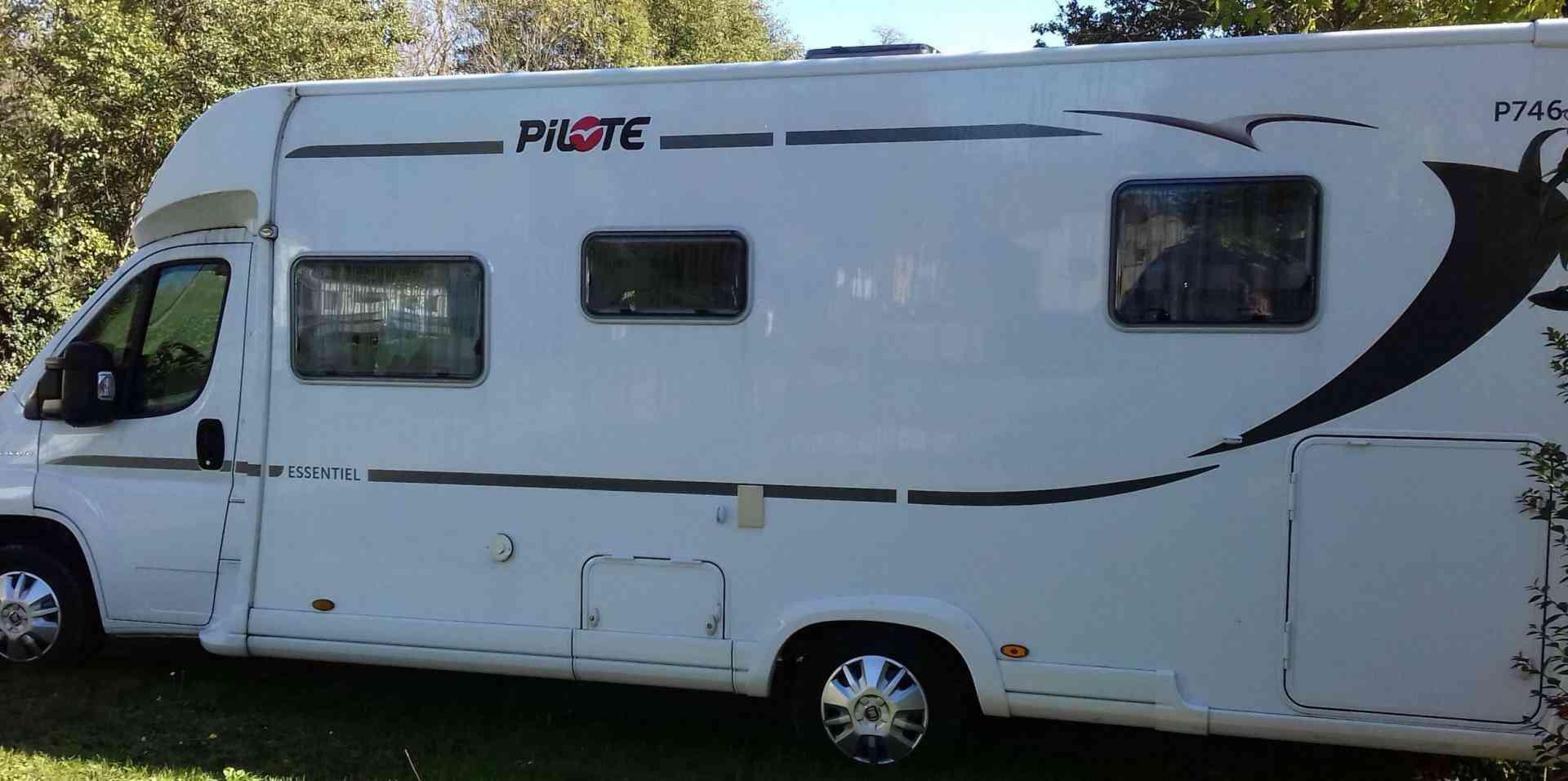 camping-car PILOTE ESSENTIEL P 746
