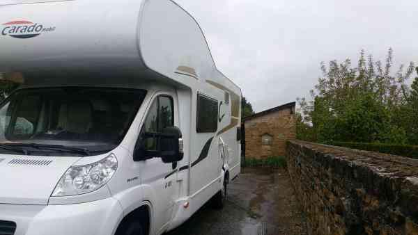 camping-car CARADO  A 461