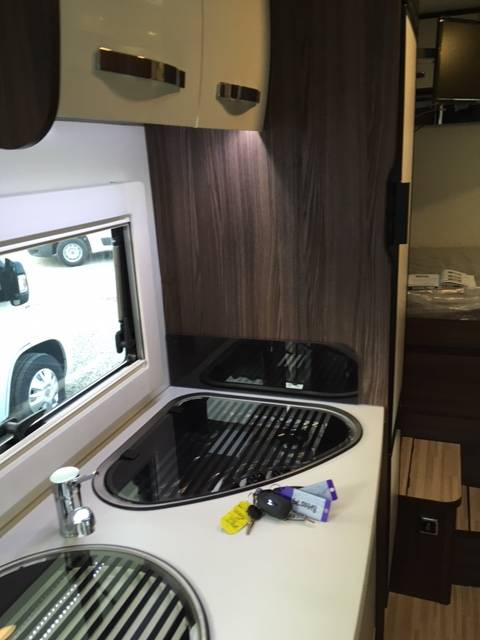 camping-car BENIMAR TESSORO 440