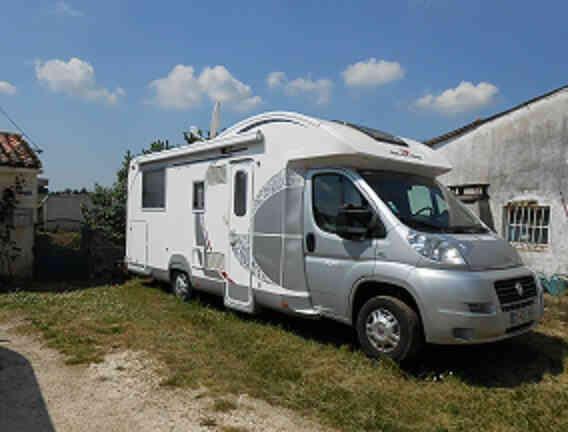 camping-car ROLLER TEAM XLM  T LINE