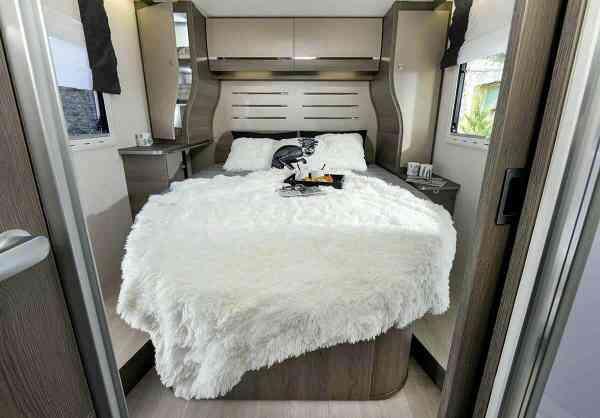 camping-car CHAUSSON 758 EB TITANIUM