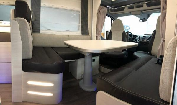 camping-car CHAUSSON WELCOME 716
