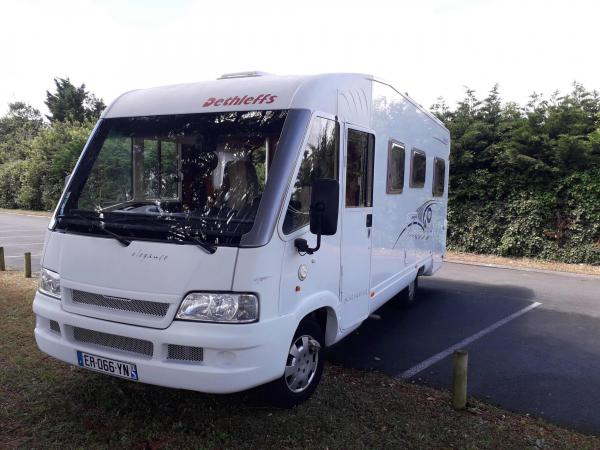 camping-car DETHLEFFS GLOBETROTTER