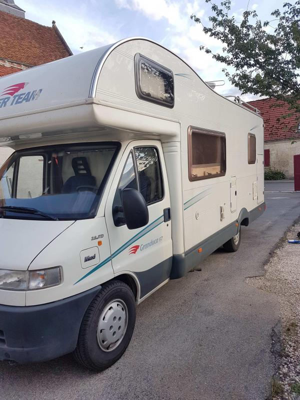 camping-car ROLLERTEAM GRANDUCA